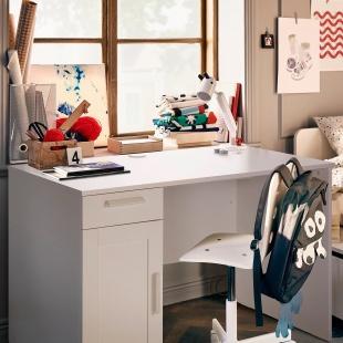 Письмові та комп'ютерні столи